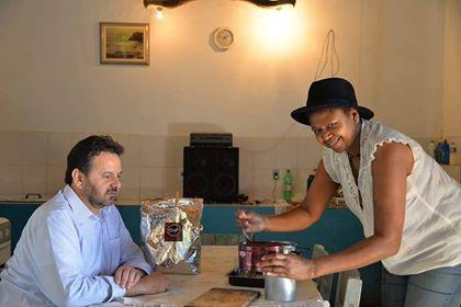 Rosa com o prefeito de Amparo