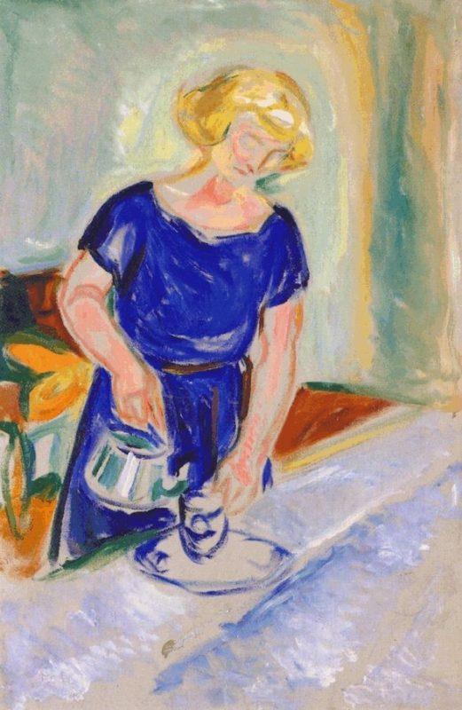 imagem Mulher em um vestido azul servindo café