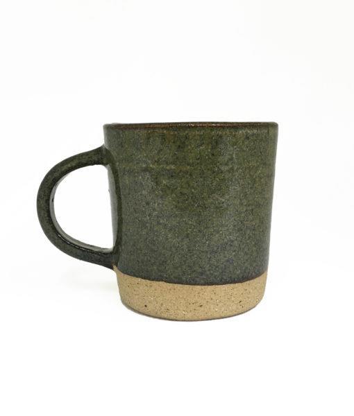 caneca de cerâmica verde escuro